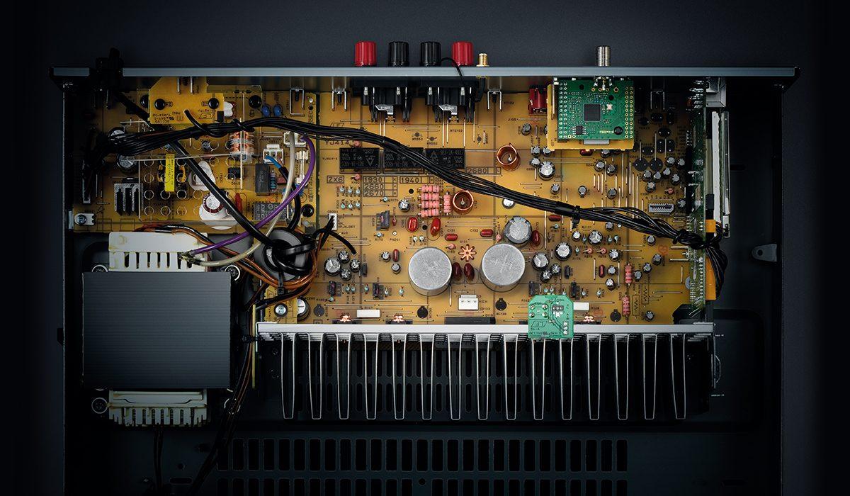 Yamaha R-N303 Innenansicht